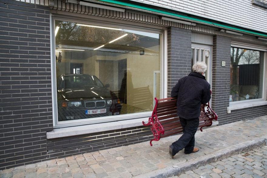 Le conseil municipal lui a refusé un permis de garage, alors cet homme a trouvé une solution géniale