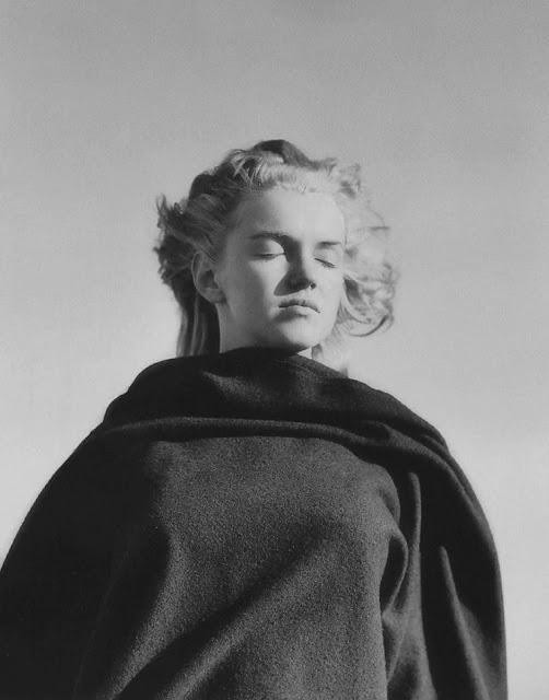 marilyn-monroe-andre-de-dienes-1945-05