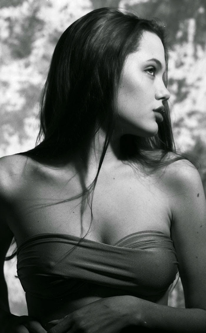angelina-jolie-harry-langdon-07