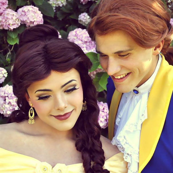 Ce gars se transforme en Princesses Disney