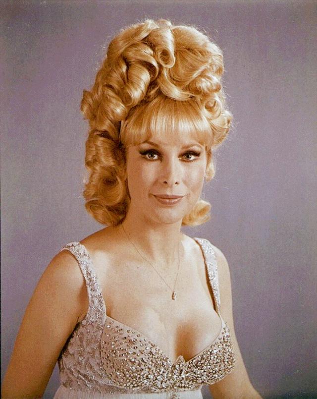 30 coiffures des années 1960 qui vous inspireront ou vous laisseront perplexe