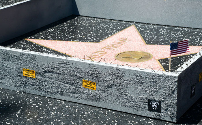 mur-etoile-donald-trump-hollywood-04