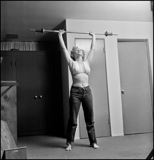 10 rares photos de Marilyn Monroe s'entraînant au gym en 1952