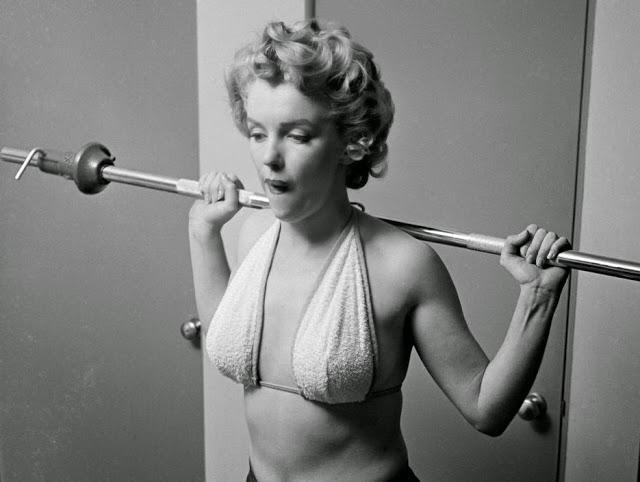 marilyn-monroe-gym-1952-05