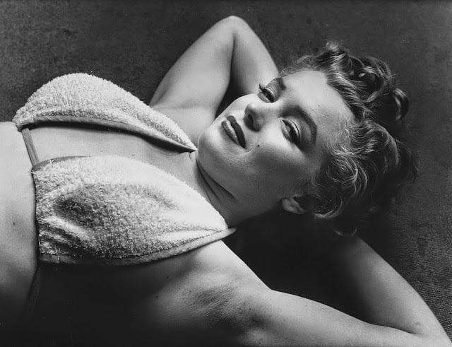 marilyn-monroe-gym-1952-09
