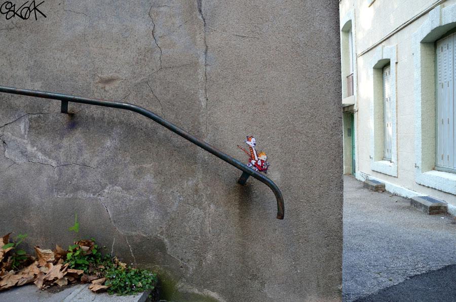 29 exemples de street art qui interagissent habilement avec leur environnement