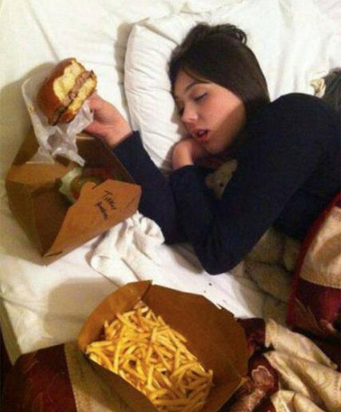 20 photos hilarantes qui prouvent que les frères et soeurs sont de réels enfoirés