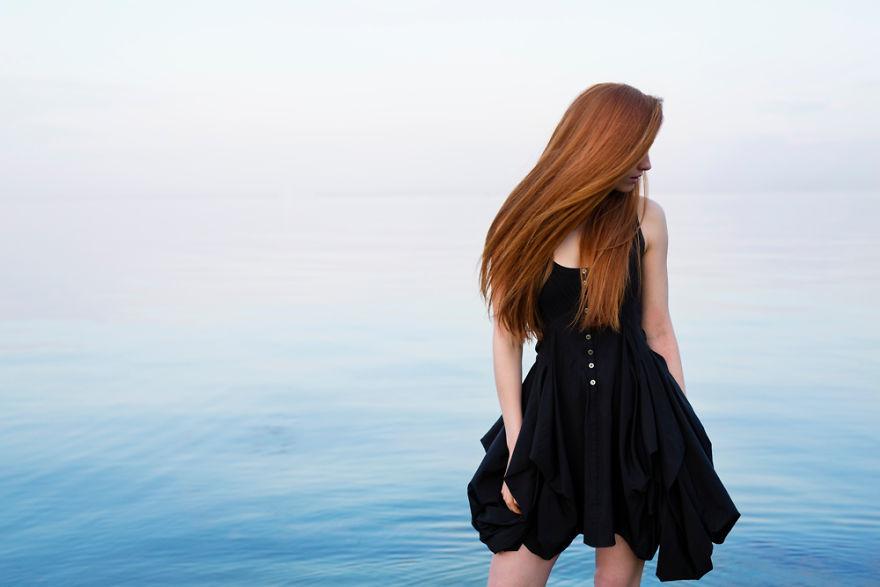 Ce photographe a voyagé à travers le monde pour saisir la beauté stupéfiante des cheveux roux et il a photographié plus de 130 rousses