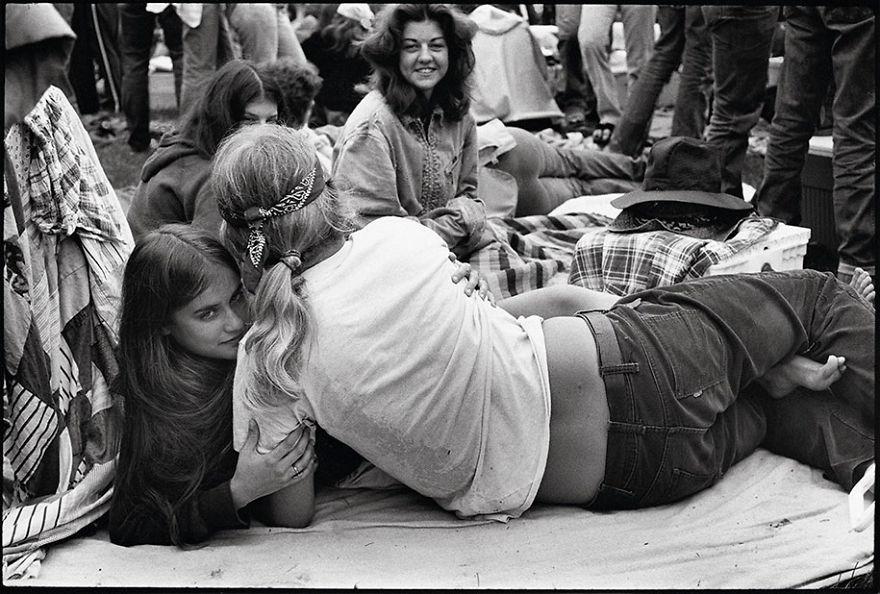 33 portraits intimes de jeunes rebelles dans les années 1970 pris par un enseignant du secondaire