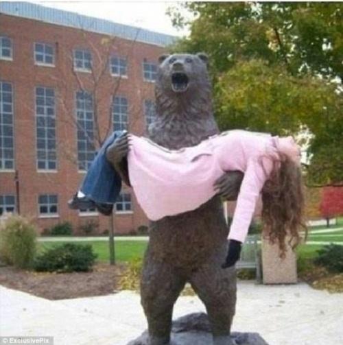 25 fois où des gens ont décidé de s'amuser avec des statues et c'était à mourir de rire