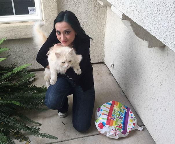30 fois où des chats et des chiens ont rapporté les cadeaux les plus étranges à leurs propriétaires