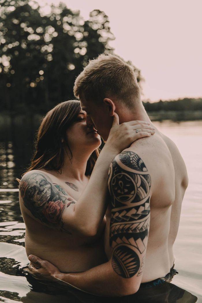 Cette séance photo d'une femme et son fiancé est devenue virale, et elle véhicule un puissant message