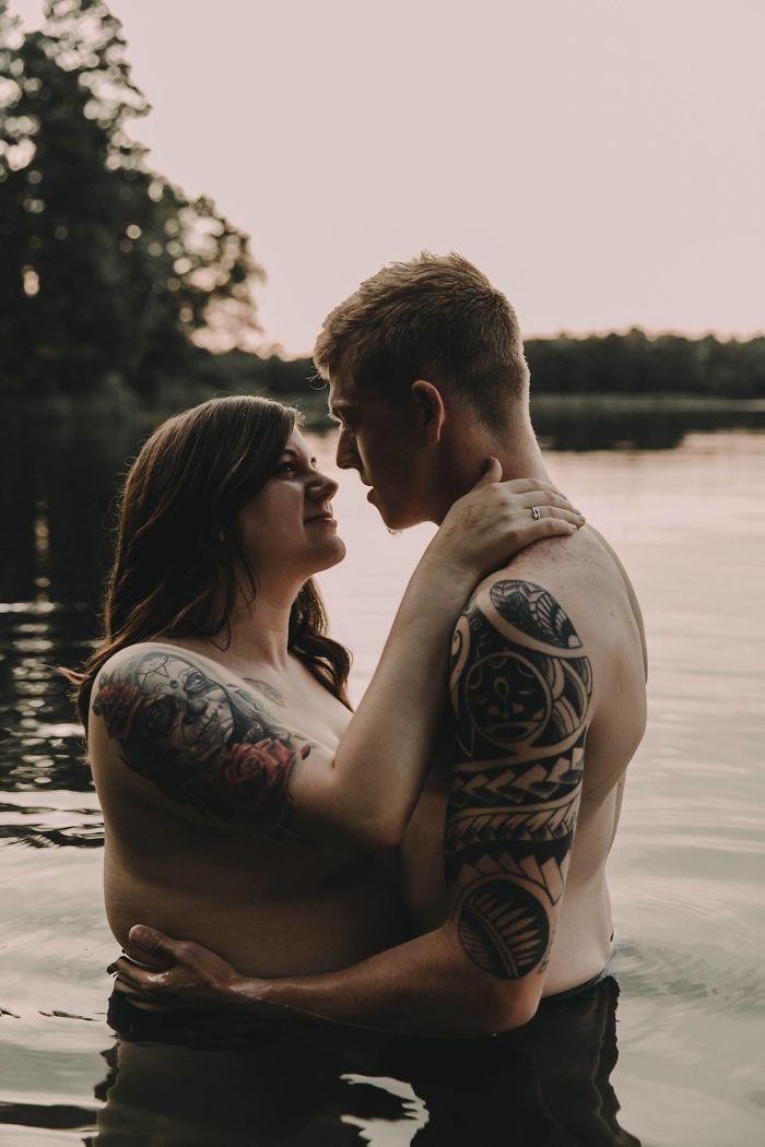 Cette séance photo d'une femme et son fiancé est devenue virale et elle véhicule un puissant message