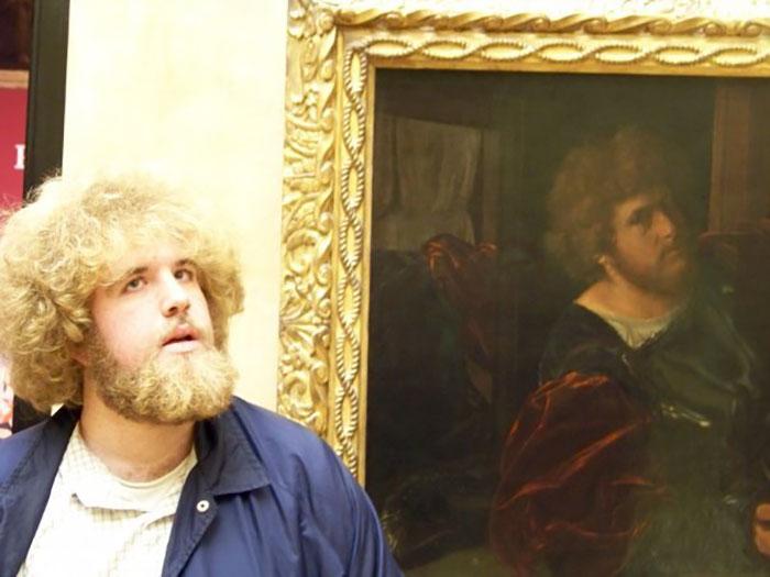26 fois où des gens ont trouvé par hasard leurs sosies dans des musées et n'en croyaient pas leurs yeux