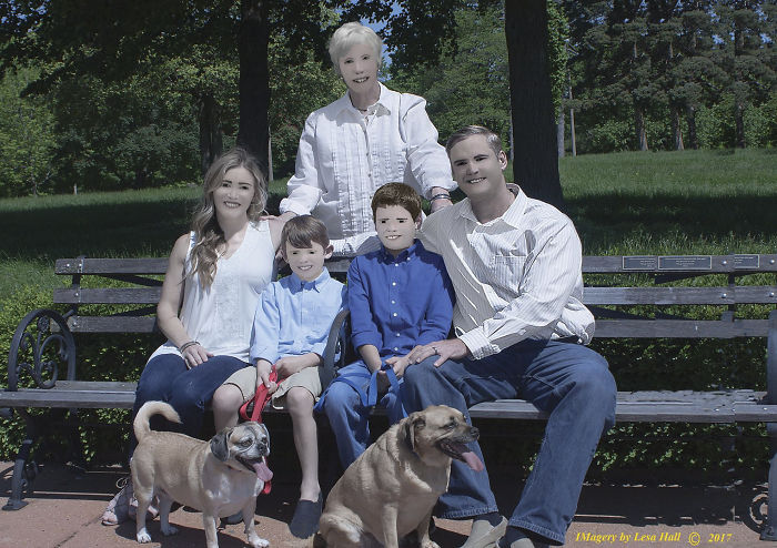 Cette famille ne pouvait pas en croire ses yeux lorsque sa photographe professionnelle lui a montré ses photos