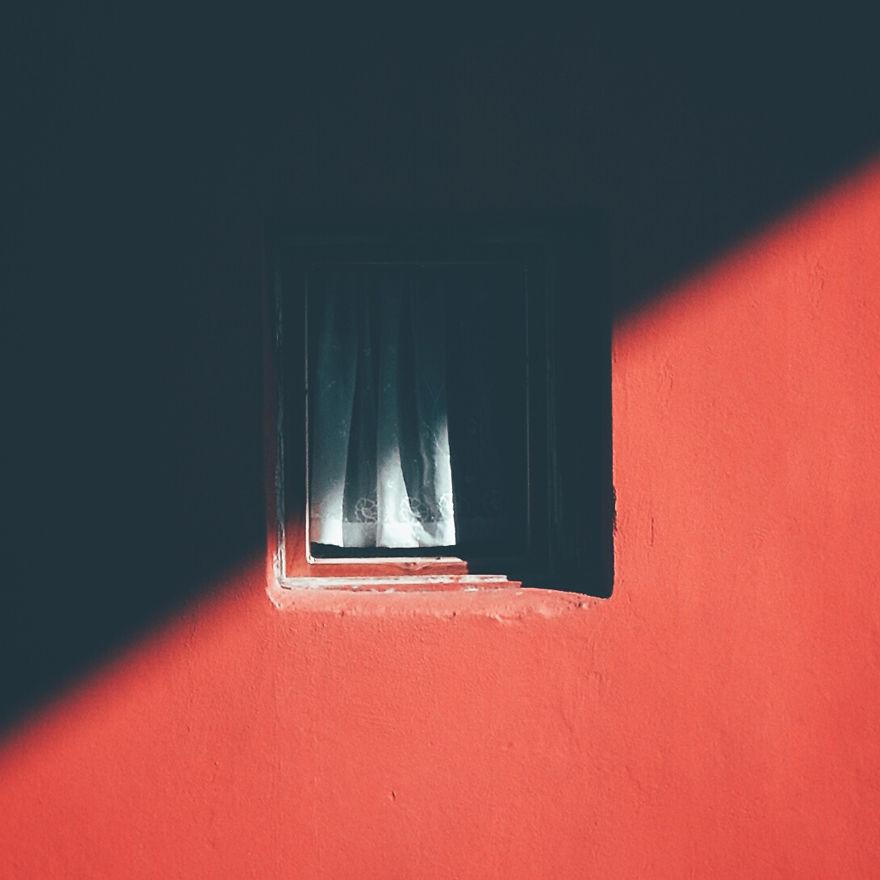 «J'ai passé 12 ans à photographier cette fenêtre jusqu'à ce que le propriétaire démolisse l'édifice – j'ai saisi son dernier moment»