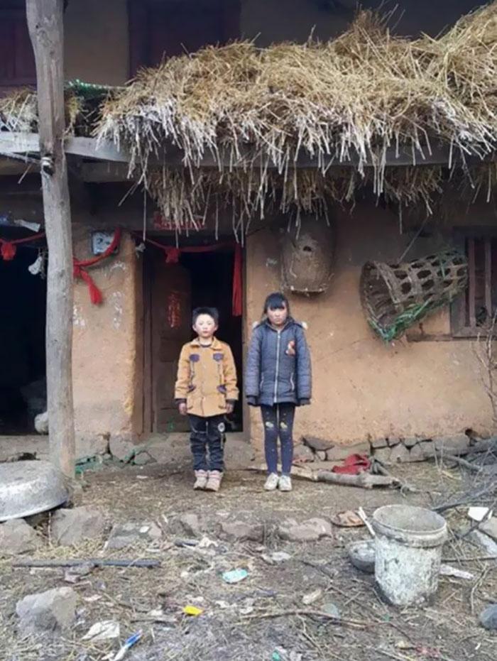 Un garçon marche 4,8 km dans un froid glacial pour aller à l'école, et ses conditions de vie vous briseront le coeur