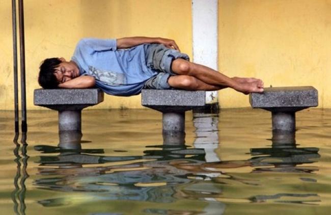 26 fois où des gens se sont fait prendre à dormir dans les endroits les plus insolites, et c'était à mourir de rire