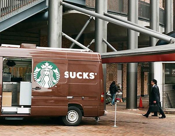 20 fois où des publicités ratées sur des véhicules ont été remarquées un peu en retard