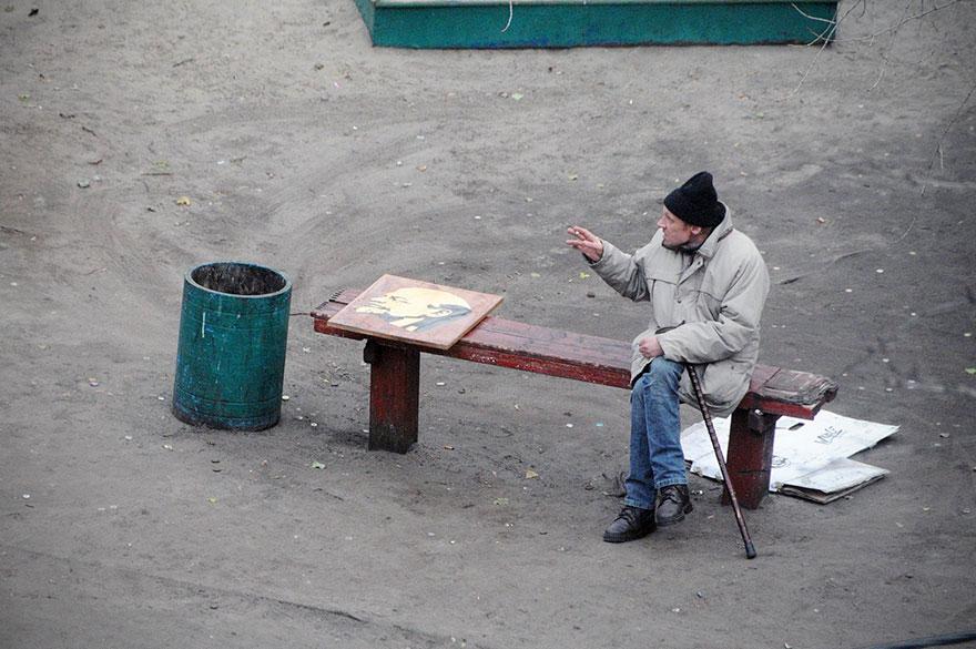 Ce photographe a passé 10 ans à photographier le même banc, et les résultats sont mieux que ce à quoi il s'attendait