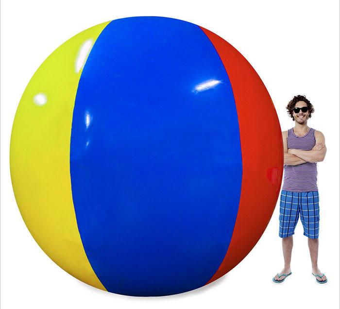 Les internautes sont incapables d'arrêter de rire de cette critique d'un ballon gonflable géant sur Amazon par un client déçu