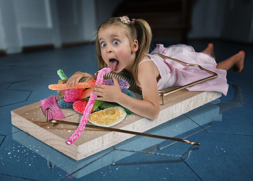 Je crée des photomontages tordus avec mes trois filles et mon fils, et voici ce qu'on a fait jusqu'à présent (33 images)