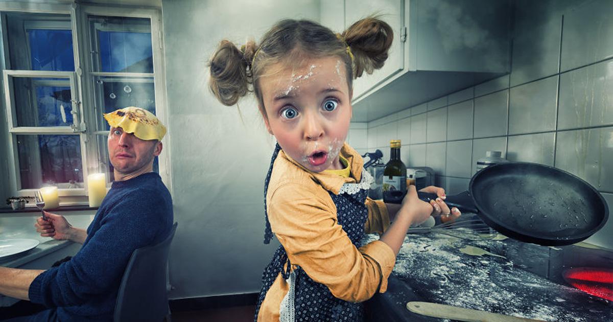 Je crée des photomontages tordus avec mes trois filles et mon fils, et voici ce qu'on a fait jusqu'à présent (32 images)