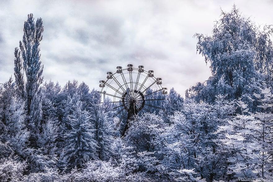 Tchernobyl photographiée à l'infrarouge est plus terrifiante que jamais