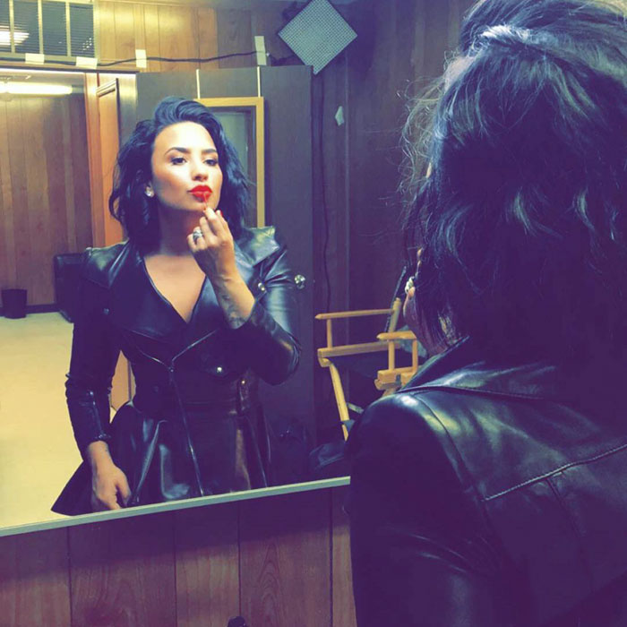 Demi Lovato se démaquille complètement dans une vidéo, et le résultat parle de lui-même