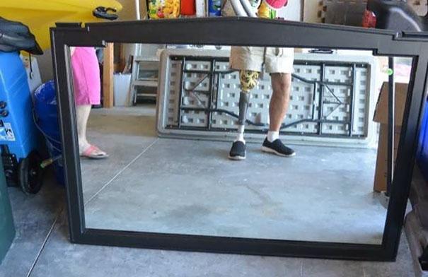 On adore regarder les gens qui essaient de vendre des miroirs, voici 30 raisons qui montrent pourquoi