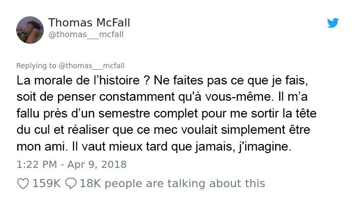 Un gars frustré par un immigrant qui pouvait à peine parler français reste bouche bée après un incident inattendu en classe