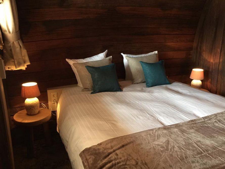 Cet hôtel vous offre de passer la nuit dans l'un de ses tonneaux de vin géants – ipnoze