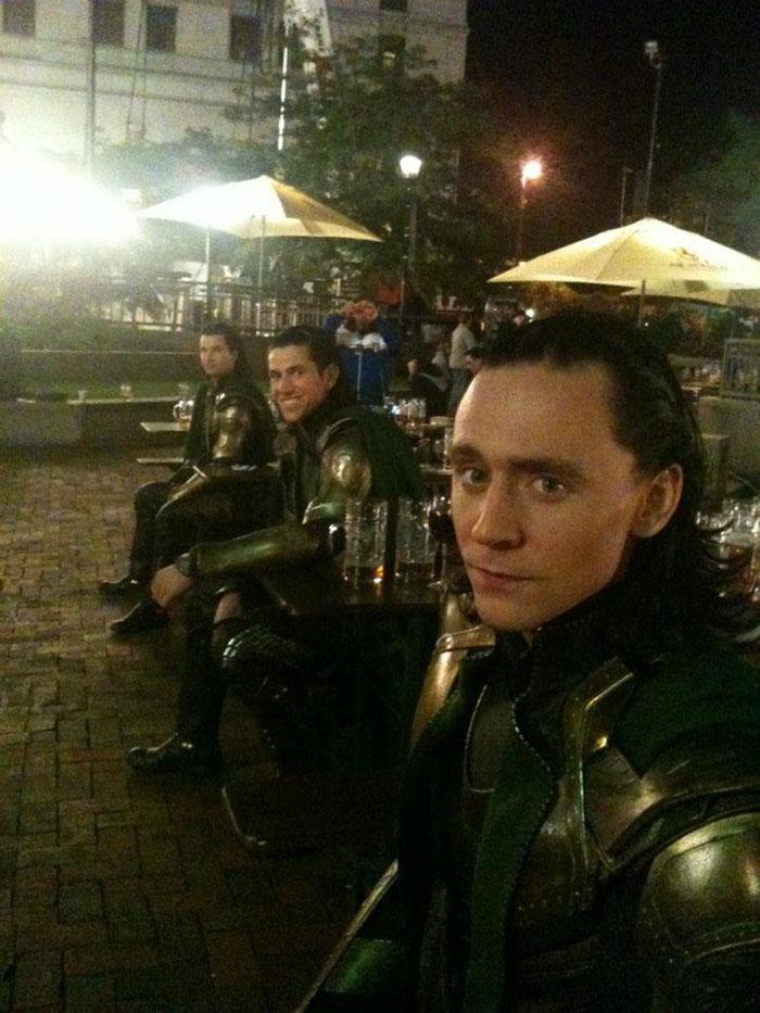 21 photos des Avengers avec leurs doublures