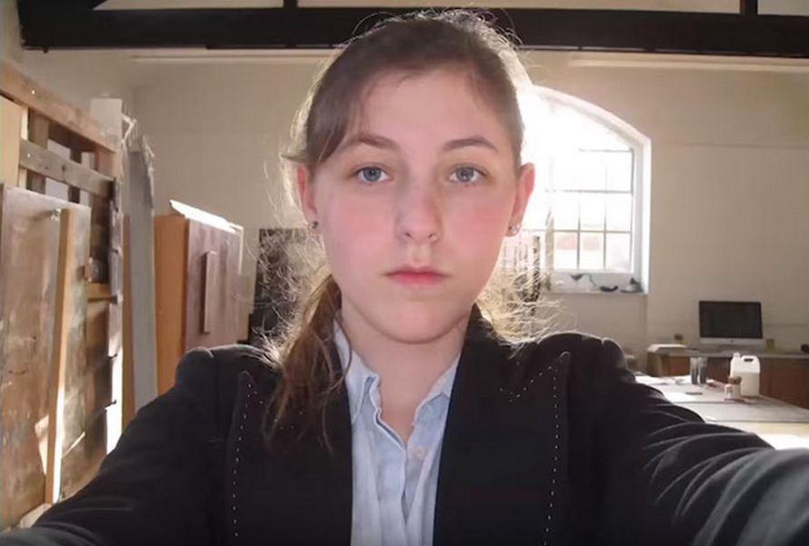Une ado prend un selfie par jour pendant 8 ans et montre à quel point les changements subtils font une énorme différence à la fin