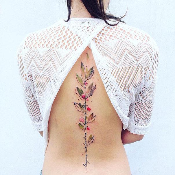 30 meilleures idées de tatouages sur la colonne vertébrale