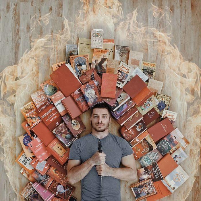 Cet amoureux des livres transforme sa bibliothèque massive en art, et ses 120000 fans sur Instagram n'en ont jamais assez
