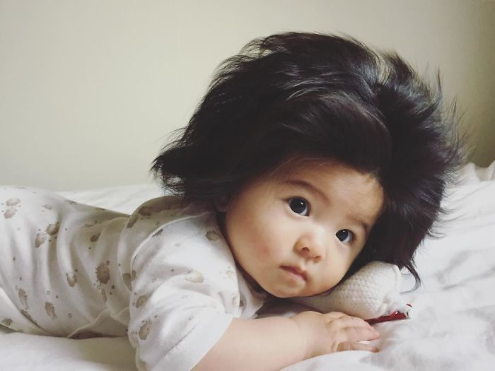 Cette fillette a seulement 6 mois, mais ses cheveux sont si magnifiques qu'elle a plus de 75000 fans sur Instagram