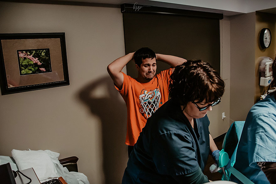 """«Je lui ai dit que je l'ai photographié alors qu'il pleurait en voyant son fils, il a dit: """"Ce n'est pas pour ça que je pleurais"""" »"""