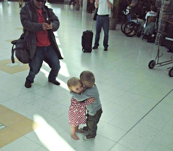 33 fois où des gens ont dû y regarder à deux fois pour comprendre ce qu'ils voyaient à l'aéroport