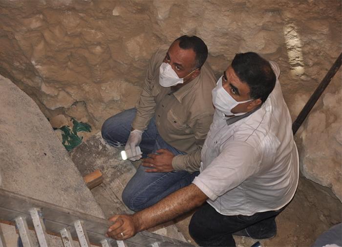 Vous souvenez-vous du sarcophage massif qui n'a pas été ouvert en 2000 ans? Ils viennent de l'ouvrir