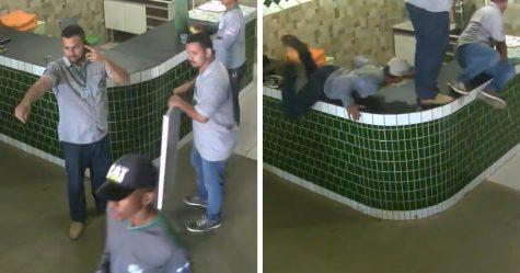 Des policiers voulaient attraper un voleur, mais ils sont morts de rire au lieu