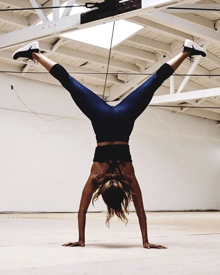 Halle Berry a eu 52 ans et elle a révélé ce qu'elle fait pour avoir l'air d'avoir 25 ans