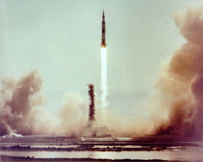 Quelqu'un a remarqué que les premiers pas sur la Lune ne correspondaient pas à ceux de Neil Armstrong, mais il s'est fait démolir par des faits