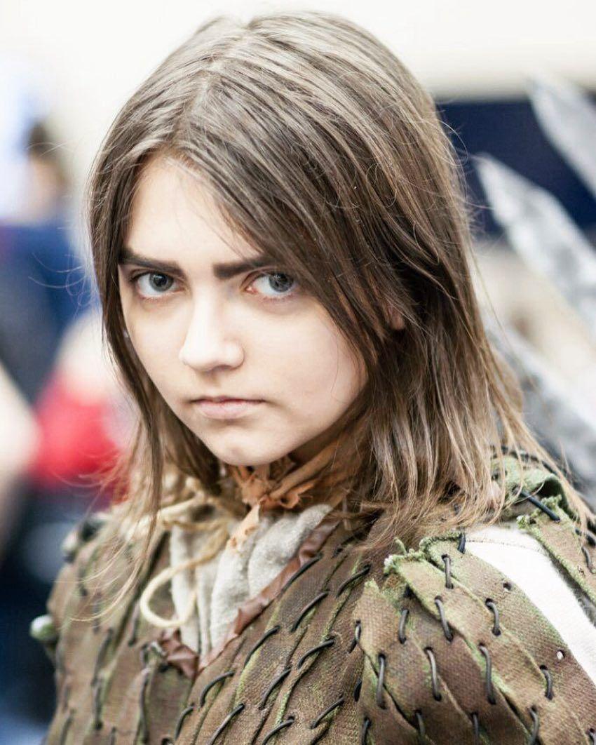 Cette cosplayeuse de 21 ans peut se transformer en n'importe qui et voici ses 23 meilleures transformations