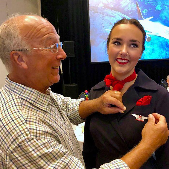 Ce père a réservé 6 vols pour être avec sa fille agente de bord à Noël