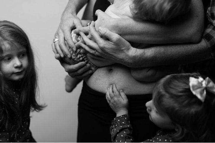 Cette photographe montre le corps d'une femme après la grossesse et ce n'est pas ce qu'on voit dans les magazines (10 images)