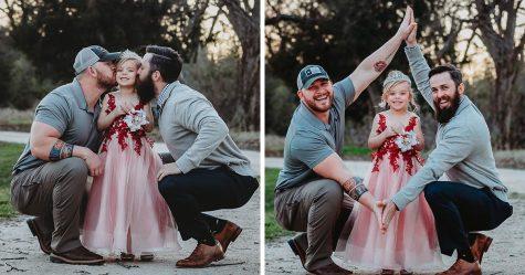 Cette fille et ses deux papas ont participé à une séance photo adorable, mais ce n'est pas un couple de même sexe