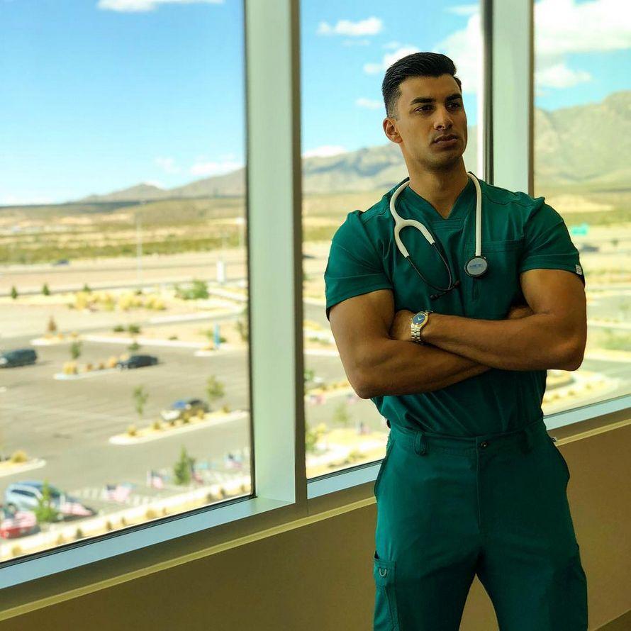 Ces 20 médecins sont tellement beaux qu'ils vont faire battre ton coeur un peu plus fort