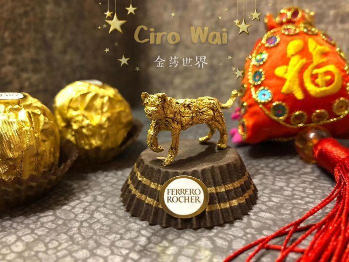 Cet artiste chinois crée de minuscules sculptures à l'aide d'emballages Ferrero Rocher (28 images)