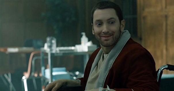 Ce gars fait «sourire» Eminem en photoshopant ses photos et elles sont mieux maintenant (14 images)